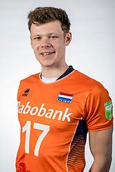 10-05-2017 NED: Selectie Nederlands volleybal team mannen 2017, Arnhem<br /> Op Papendal werd de selectie gepresenteerd / Michaël Parkinson #17