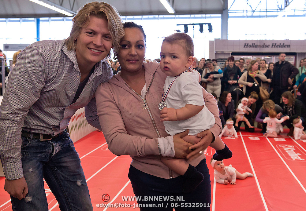 Baby Gino is de winnaar van de luierrace. Uit handen van Thomas Berge kreeg hij de medaille omgehangen. Vijf dagen lang is er in de Rai alles te vinden op het gebied van zwangerschap en geboorte.
