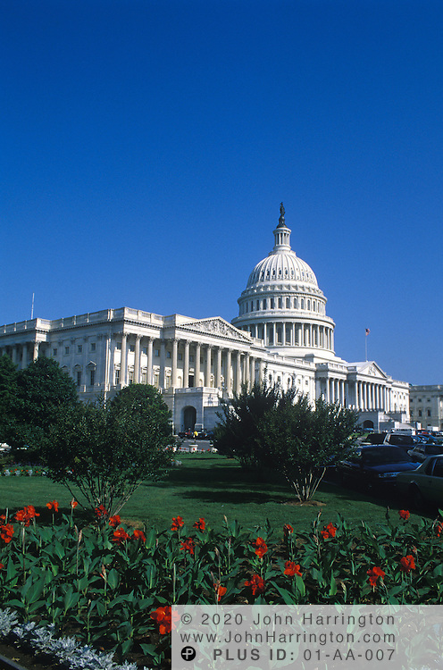 The US Capitol Building in spring time.