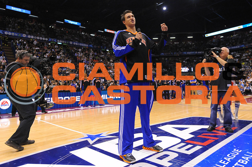 DESCRIZIONE : Milano NBA EUROPE LIVE TOUR 2010 Armani Jeans Milano New York Knicks<br /> GIOCATORE : Danilo Gallinari<br /> SQUADRA : New York Knicks<br /> EVENTO : NBA EUROPE LIVE TOUR 2010 Armani Jeans Milano New York Knicks<br /> GARA : Armani Jeans Milano New York Knicks<br /> DATA : 03/10/2010<br /> CATEGORIA : Ritratto Before<br /> SPORT : Pallacanestro<br /> AUTORE : Agenzia Ciamillo-Castoria/A.Dealberto<br /> GALLERIA : NBA EUROPE LIVE TOUR 2010<br /> FOTONOTIZIA : NBA EUROPE LIVE TOUR 2010  Armani Jeans Milano New York Knicks<br /> PREDEFINITA :