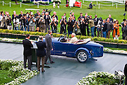 Bugatti unveiled the Veyron 16.4 Grand Sport at the 2008 Pebble Beach Concourse d?Elegance.1929 Bugatti Type 43 Grand Sport.