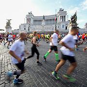 Roma 07/04/2018 <br /> Maratona di Roma 2018 <br /> 24ma edizione<br /> il passaggio sui a Piazza Venezia