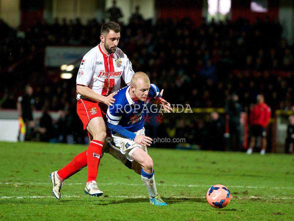 STEVENAGE, ENGLAND - Saturday, January 25, 2014: Everton's Steven Naismith in action against Stevenage during the FA Cup 4th Round match at Broadhall Way. (Pic by Tom Hevezi/Propaganda)