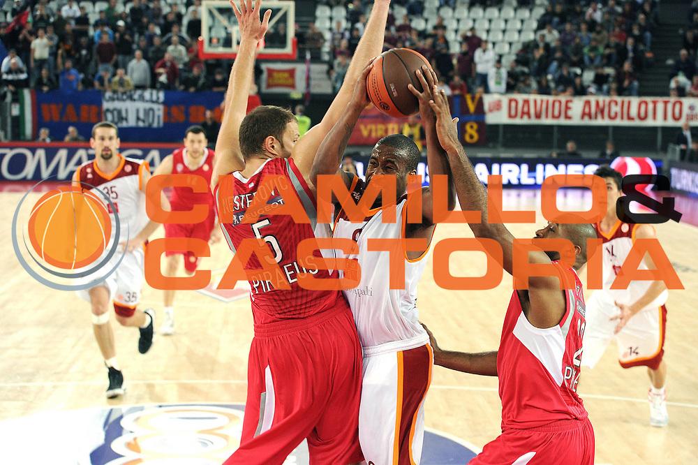 DESCRIZIONE : Roma Eurolega 2010-11 Lottomatica Virtus Roma Olympiacos Pireo Atene<br /> GIOCATORE : Darius Washington<br /> SQUADRA : Lottomatica Virtus Roma<br /> EVENTO : Eurolega 2010-2011<br /> GARA :  Lottomatica Virtus Roma Olympiacos Pireo Atene<br /> DATA : 17/11/2010<br /> CATEGORIA : Penetrazione<br /> SPORT : Pallacanestro <br /> AUTORE : Agenzia Ciamillo-Castoria/GiulioCiamillo<br /> Galleria : Eurolega 2010-2011<br /> Fotonotizia : Roma Eurolega Euroleague 2010-11 Lottomatica Virtus Roma Olympiacos Pireo Atene<br /> Predefinita :