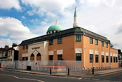 UK ENGLAND LONDON 15AUG06 - General view of the Masjid - e - Umer, a mosque on Queens Road in Walthamstow, north London, where Police are investigating an alleged bomb plot...jre/Photo by Jiri Rezac..© Jiri Rezac 2006..Contact: +44 (0) 7050 110 417.Mobile:  +44 (0) 7801 337 683.Office:  +44 (0) 20 8968 9635..Email:   jiri@jirirezac.com.Web:    www.jirirezac.com..© All images Jiri Rezac 2006 - All rights reserved.