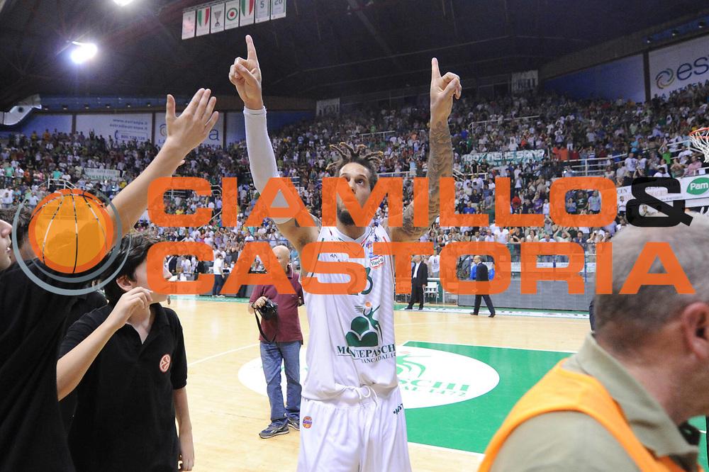 DESCRIZIONE : Siena Lega A 2012-2013 Montepaschi Siena Acea Roma playoff finale gara 4<br /> GIOCATORE : Daniel Hackett<br /> CATEGORIA : esultanza<br /> SQUADRA : Acea Roma Montepaschi Siena<br /> EVENTO : Campionato Lega A 2012-2013 playoff finale gara 4<br /> GARA : Montepaschi Siena Acea Roma <br /> DATA : 17/06/2013<br /> SPORT : Pallacanestro <br /> AUTORE : Agenzia Ciamillo-Castoria/C.De Massis<br /> Galleria : Lega Basket A 2012-2013  <br /> Fotonotizia : Siena Lega A 2012-2013 Montepaschi Siena Acea Roma  playoff finale gara 4<br /> Predefinita :