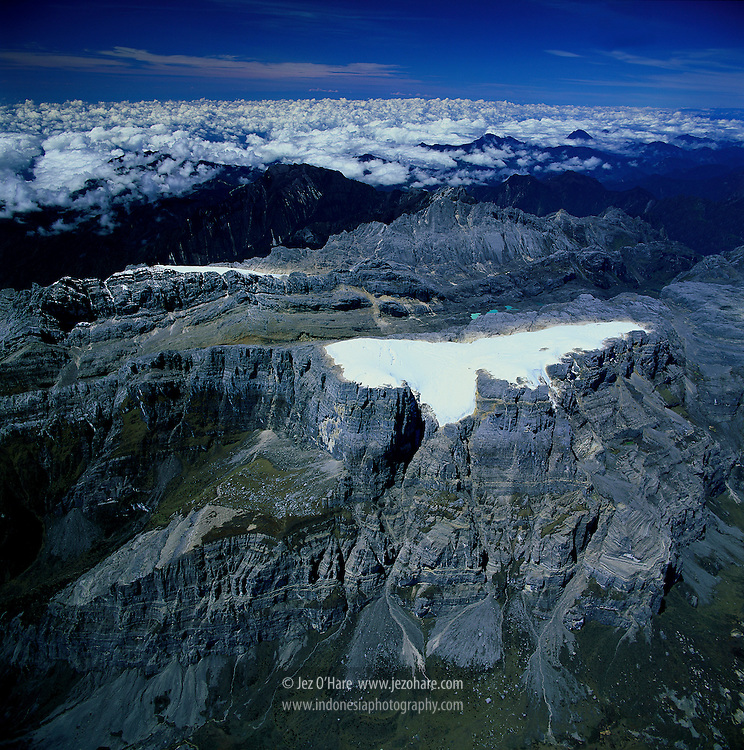 Ngga Pulu, Puncak Jaya, Carstensz pyramid & glaciers, 4884m, Papua, Indonesia.