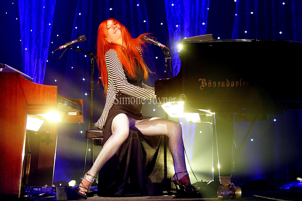 Tori Amos performs live during a dress rehersal ahead of her performance at Hammersmith Apollo on September 10, 2009 in London, England.  (Photo by Simone Joyner)