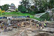 Nederland, The Netherlands, nijmegen, 9-10-2015Archeologische opgravingen aan de voet van de Valkhofheuvel.  Er zijn resten uit de 13e tot 19e eeuw gevonden alsmede uit de Romeinse tijd. Van hieraf ging de route naar de eerste veerpont naar Lent die bij het Valkhof liep.Op deze plek komt De Bastei, het nieuwe centrum voor natuur en cultuurhistorie, dat doorloopt tot de 16e eeuwse Stratemakerstoren.  FOTO: FLIP FRANSSEN/ HH