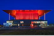 L'Amphithéâtre de Trois-Rivières - Architecte concepteur : Paul Laurendeau - Photographie © Marc Gibert / adecom.ca Médaille du Gouverneur général Architecture 2016 Coup de coeur du jury, Institut canadien de la construction en acier (ICCA) 2015 Prix d'excellence, Canadian Architect 2013