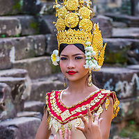 SIEM REAP , CAMBODIA - OCT 15 : Cambodian Apsara dancer in Angkor Wat , Siem Reap Cambodia on October 15 2017. The Apsara dance is a traditional dance of Cambodia.