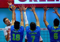 22-09-2013 VOLLEYBAL: EK MANNEN NEDERLAND - SLOVENIE: HERNING<br /> Nederland wint met 3-1 van Slovenie en plaatst zich voor de volgende ronde / (L-R) Robin Overbeeke, Klemen Cebui, Matevz Kamnik, Mitja Gasparini<br /> ©2013-FotoHoogendoorn.nl<br />  / SPORTIDA