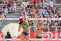30.07.2017, Donauinsel, Wien, AUT, FIVB Beach Volleyball WM, Wien 2017, Damen, Gruppe C, im Bild v.l. Agatha Bednarczuk (BRA), Camille Saxton (CAN) // f.l. Agatha Bednarczuk of Brazil Camille Saxton of Canada during the women's group C match of 2017 FIVB Beach Volleyball World Championships at the Donauinsel in Wien, Austria on 2017/07/30. EXPA Pictures © 2017, PhotoCredit: EXPA/ Sebastian Pucher