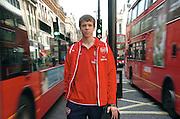 n/z.: bramkarz Wojciech Szczesny ( Arsenal ) na Oxford Street podczas spaceru po Londynie. sezon 2006/2007, liga angielska , pilka nozna , Wielka Brytania , Londyn , 14-03-2007 , fot.: Adam Nurkiewicz / mediasport..goalkeeper Wojciech Szczesny ( Arsenal ) on Oxford Street during walk around London. March 14, 2007 ; season 2006/2007 , football , Great Britain , London ( Photo by Adam Nurkiewicz / mediasport ) ..*** ZDJECIE MOZE BYC UZYTE W PRASIE, GDY SPOSOB JEGO WYKORZYSTANIA ORAZ PODPIS NIE OBRAZAJA OSOB ZNAJDUJACYCH SIE NA FOTOGRAFII***