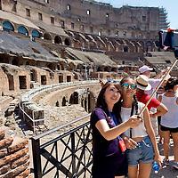 Colosseo, affluenza record di turisti