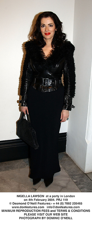 NIGELLA LAWSON  at a party in London on 4th February 2004.PRJ 119