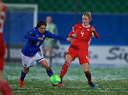 CESENA, ITALY - Tuesday, January 22, 2019: Wales' captain Sophie Ingle (R) and Italy's Daniela Sabatino during the International Friendly between Italy and Wales at the Stadio Dino Manuzzi. (Pic by David Rawcliffe/Propaganda)
