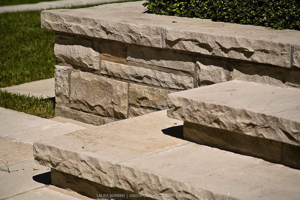 natural flagstone paving