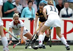 20-05-2007 HOCKEY: FINALE PLAY OFF: DEN BOSCH - AMSTERDAM: DEN BOSCH <br /> Den Bosch voor de tiende keer op rij kampioen van de Rabo Hoofdklasse Dames. In de beslissende finale versloegen zij Amsterdam met 2-0 / Mijntje Donners en Eva Weijmar Schultz<br /> ©2007-WWW.FOTOHOOGENDOORN.NL