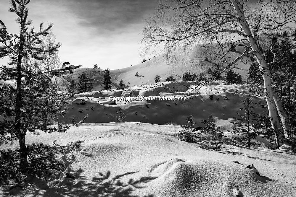 Sur la face Nord de l'Etna, la neige est plus importante en raison de l'influence froide des Balkans.