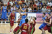 DESCRIZIONE : Trento Torneo Internazionale Maschile Trentino Cup Italia Portogallo Italy Portugal<br /> GIOCATORE : Giuseppe Poeta<br /> SQUADRA : Italia Italy<br /> EVENTO : Raduno Collegiale Nazionale Maschile <br /> GARA : Italia Portogallo Italy Portugal<br /> DATA : 27/07/2009 <br /> CATEGORIA : tiro<br /> SPORT : Pallacanestro <br /> AUTORE : Agenzia Ciamillo-Castoria/G.Ciamillo