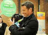 11/12/2015 Scott Foley at Swiffer Pet Adoption Event