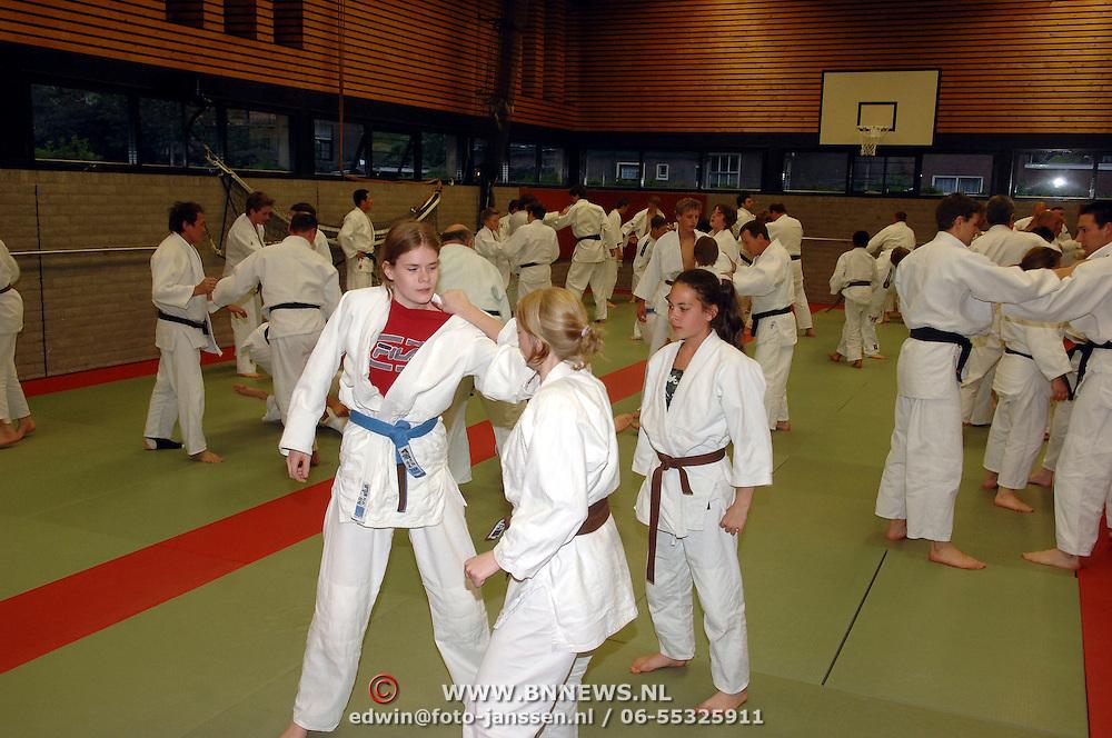 NLD/Huizen/20070419 - Demonstratie van een Japanse judoka bij sportschool Rebel in huizen