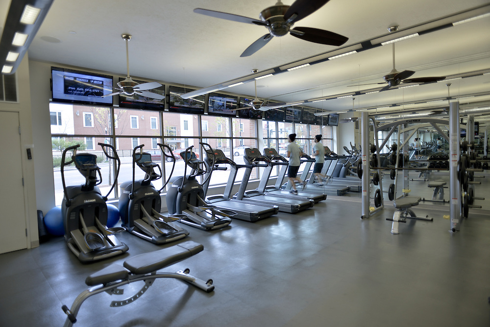Resident fitness room and gym at the 401 Lofts apartments.