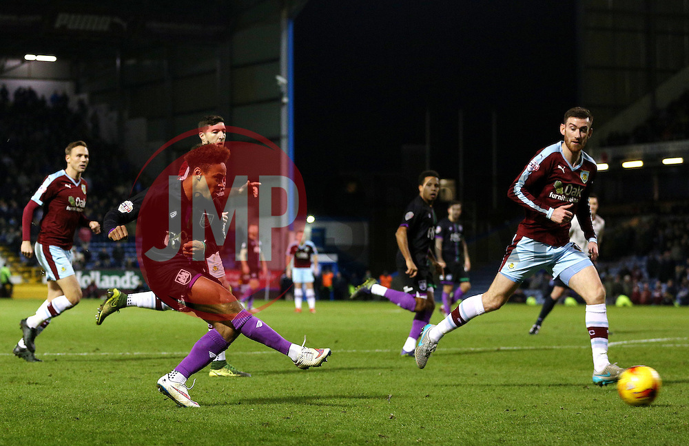 Bobby Reid of Bristol City fires a shot at goal  - Mandatory byline: Matt McNulty/JMP - 07966 386802 - 28/12/2015 - FOOTBALL - Turf Moor - Burnely, England - Burnley v Bristol City - Sky Bet Championship