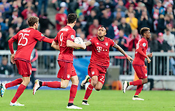 03.05.2016, Allianz Arena, Muenchen, GER, UEFA CL, FC Bayern Muenchen vs Atletico Madrid, Halbfinale, Rueckspiel, im Bild Torjubel Bayern, Thomas Mueller (FC Bayern Muenchen), Robert Lewandowski (FC Bayern Muenchen), Arturo Vidal (FC Bayern Muenchen) // Goalcelebration Munich Thomas Mueller (FC Bayern Muenchen) Robert Lewandowski (FC Bayern Muenchen) Arturo Vidal (FC Bayern Muenchen) during the UEFA Champions League semi Final, 2nd Leg match between FC Bayern Munich and Atletico Madrid at the Allianz Arena in Muenchen, Germany on 2016/05/03. EXPA Pictures © 2016, PhotoCredit: EXPA/ JFK