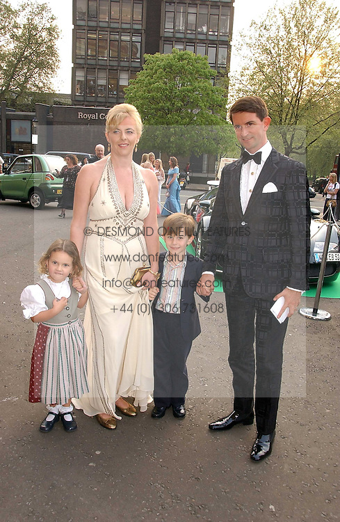 COUNT & COUNTESS MANFREDIE DELLA GHERARDESCA with their children ALIOTTO and MARGHERITA at the NSPCC's Dream Auction held at The Royal Albert Hall, London on 9th May 2006.<br /><br />NON EXCLUSIVE - WORLD RIGHTS