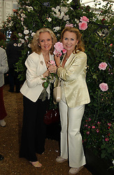 Left to right, HAYLEY & JULIETTE MILLS daughters of the late Sir Jhn Mills at the 2005 RHS Chelsea Flower Show on 23rd May 2005<br /><br />NON EXCLUSIVE - WORLD RIGHTS