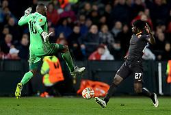 26-02-2015 NED: Europa League Feyenoord - AS Roma, Rotterdam<br /> In the photo Gervinho #27, Kenneth Vermeer #16