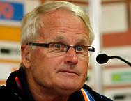 23-05-2008 VOETBAL:JONG ORANJE:JONG ZWITSERLAND:TILBURG<br /> Foppe de Haan tijdens de persconferentie<br /> Foto: Geert van Erven