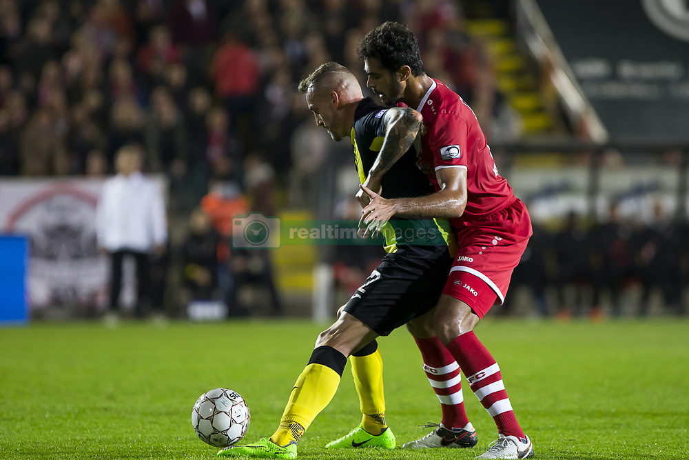 September 19, 2017 - Antwerp, BELGIUM - Lierse's Aurelien Joachim and Antwerp's Matheus Borges Domingues pictured in action during a Croky Cup 1/16 final game between Royal Antwerp FC and Lierse, in Antwerp, Tuesday 19 September 2017. BELGA PHOTO KRISTOF VAN ACCOM (Credit Image: © Kristof Van Accom/Belga via ZUMA Press)