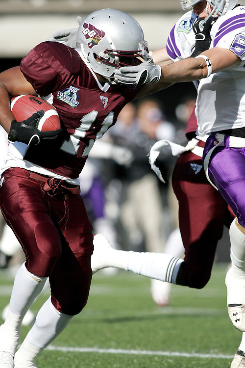 (3 November 2007 -- Ottawa) The University of Ottawa Gee Gees lost to the University of Western Ontario Mustangs 16-23 in OUA football semi-final action in Ottawa. The University of Ottawa Gee Gee player pictured in action is Cheeler Lindor