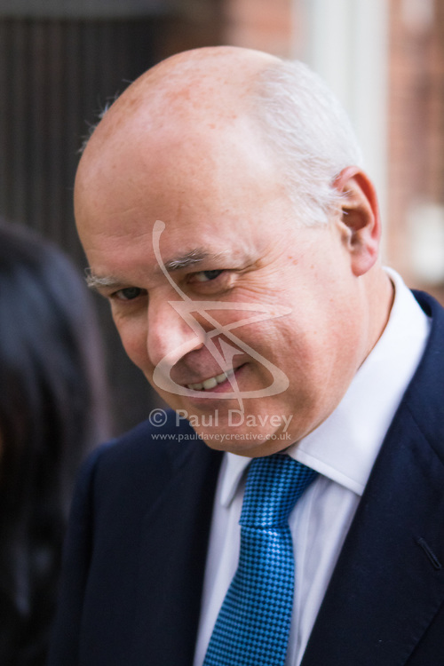 Downing Street, London, October 27th 2015.  Work and Pensions Secretary Iain Duncan-Smith leaves 10 Downing Street after attending the weekly cabinet meeting.