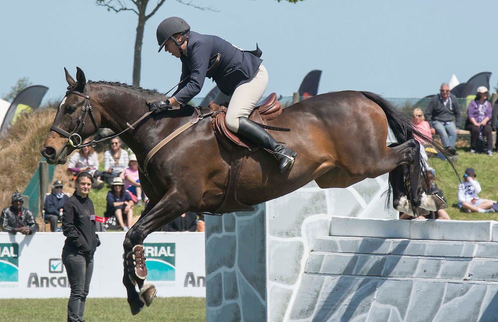 Melanie Norris on Malluka competes in the Open Hunter event at the Canterbury A&amp;P Show, Christchurch, New Zealand, Friday, 13 November, 2015.<br /> Credit:SNPA / David Alexander