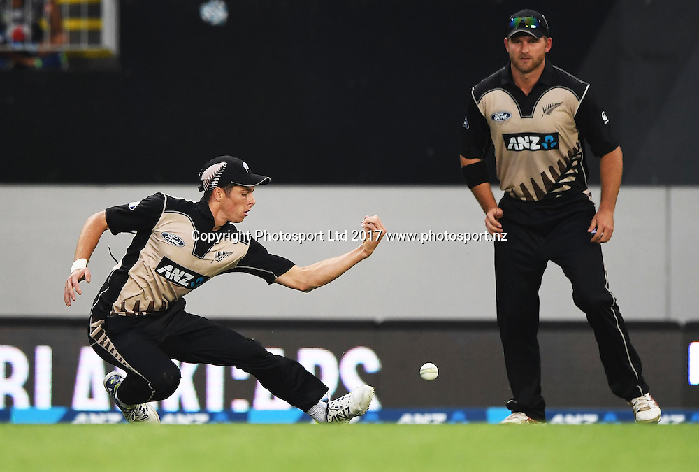 Mitchell Santner drops a catch and a chance to dismiss du Plessis. International Twenty20 Cricket. New Zealand Black Caps v South Africa, Eden Park, Auckland, New Zealand. Friday 17 February 2017 © Copyright photo: Andrew Cornaga / www.photosport.nz