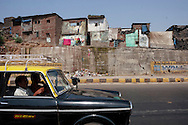 Bost&auml;der i ett slumomr&aring;de, Bombay (Mumbai), Indien<br /> COPYRIGHT 2008 CHRISTINA SJ&Ouml;GREN<br /> ALL RIGHTS RESERVED