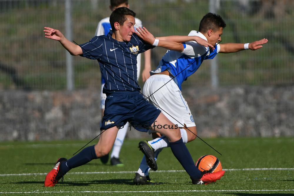 08.04.17; Zuerich; Fussball FCZ Academy - Grasshopper Club - Zuerich FE14 Oberland; <br /> Basoglu Marc (Zuerich) Spina Luca (GC) <br /> (Andy Mueller/freshfocus)