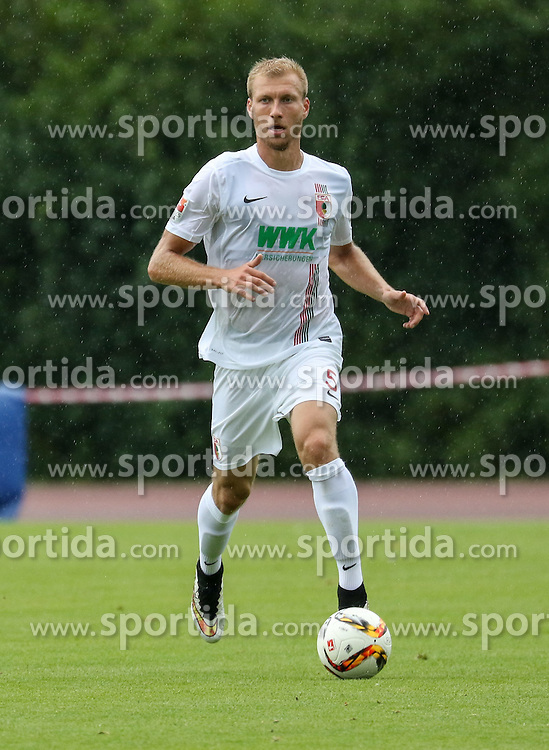26.07.2015, Prien am Chiemsee, GER, Testspiel, FC Augsburg vs Norwich City, im Bild Ragnar Klavan (FC Augsburg #5) spielt den Ball, // during the International Friendly Football Match between FC Augsburg and Norwich City in Prien am Chiemsee, Germany on 2015/07/26. EXPA Pictures © 2015, PhotoCredit: EXPA/ Eibner-Pressefoto/ Krieger<br /> <br /> *****ATTENTION - OUT of GER*****
