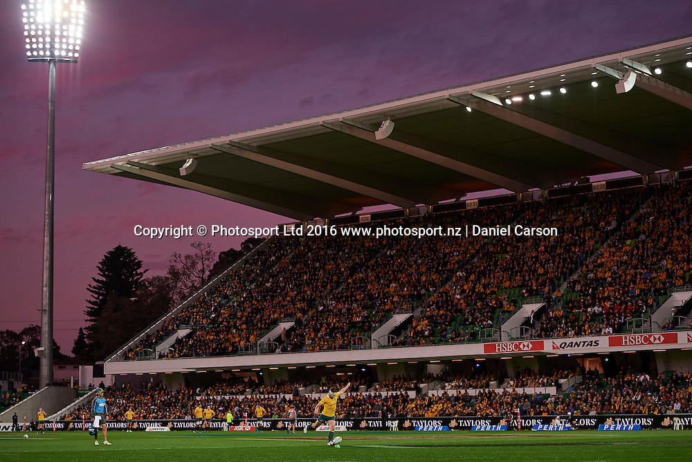 Bernard Foley of the Qantas Wallabies kicks for conversion during the Rugby Championship test match between the Australian Qantas Wallabies and Argentina's Los Pumas from NIB Stadium - Saturday 17th September 2016 in Perth, Australia. © Copyright Photo by Daniel Carson / www.photosport.nz)