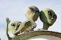 Aliens on New Mexico Tourism Department 2008 Tournament of Roses Parade Float, Pasadena, California