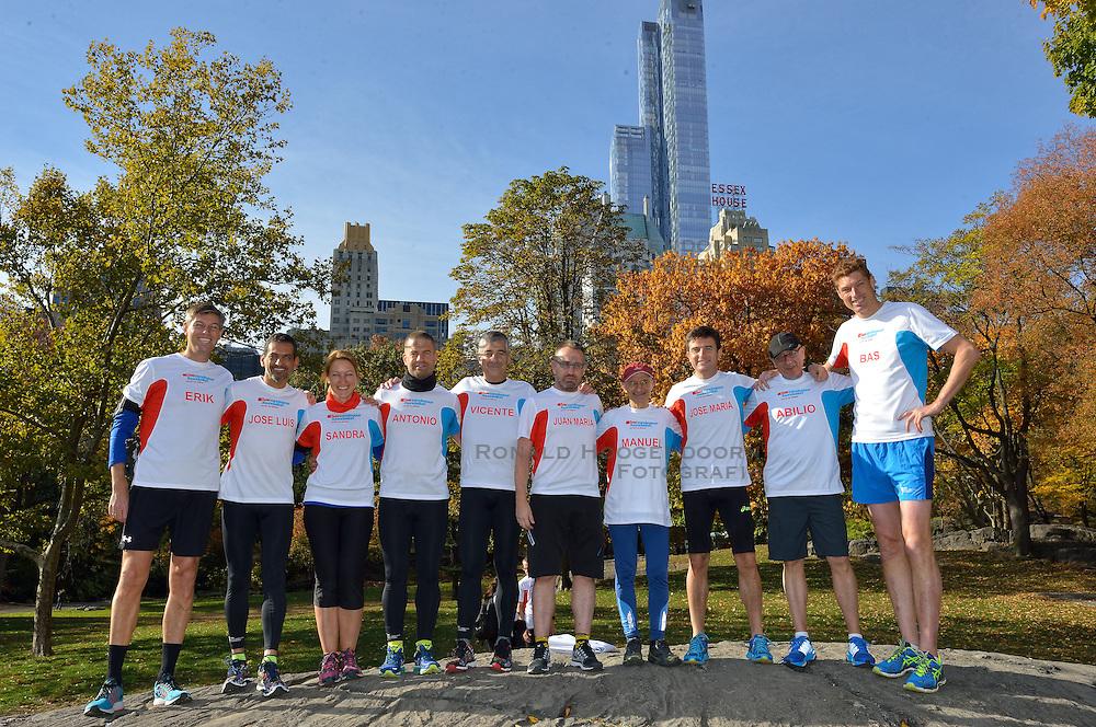 31-10-2015 USA: NYC Marathon We Run 2 Change Diabetes day 3, New York<br /> Vandaag de photoshoot en de de laatste informatie voor de marathon / Team Spanje dat de marathon gaat lopen