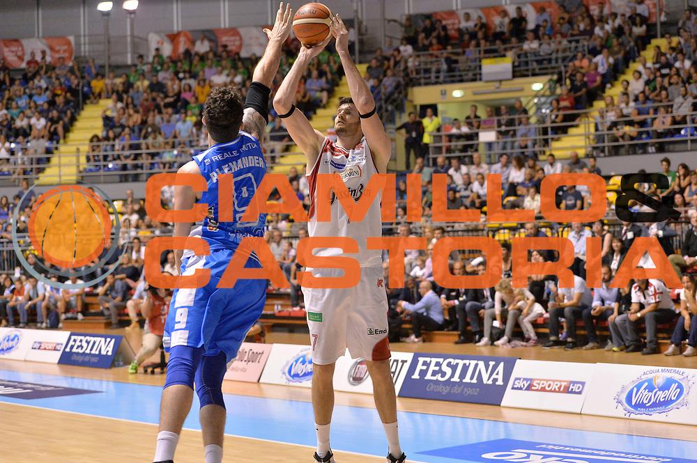 DESCRIZIONE : Supercoppa 2015 Semifinale Banco di Sardegna Sassari - Grissin Bon Reggio Emilia<br /> GIOCATORE : Darius Lavrinovic<br /> CATEGORIA : tiro<br /> SQUADRA : Grissin Bon Reggio Emilia<br /> EVENTO : Supercoppa 2015<br /> GARA : Banco di Sardegna Sassari - Grissin Bon Reggio Emilia<br /> DATA : 26/09/2015<br /> SPORT : Pallacanestro <br /> AUTORE : Agenzia Ciamillo-Castoria/Max.Ceretti