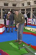 Billy Childish. Absolut Art holes. Krazy golf course designed by artists. Covent Garden. London. 4 September 2001. © Copyright Photograph by Dafydd Jones 66 Stockwell Park Rd. London SW9 0DA Tel 020 7733 0108 www.dafjones.com