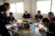 Paris, France. 2 Mai 2009..Brigade Fluviale de Paris..Quai Saint Bernard (5eme arrondissement).14h29 Dejeuner..Paris, France. May 2nd 2009..Paris fluvial squad..Quai Saint Bernard (5th arrondissement).2:29 pm Lunch