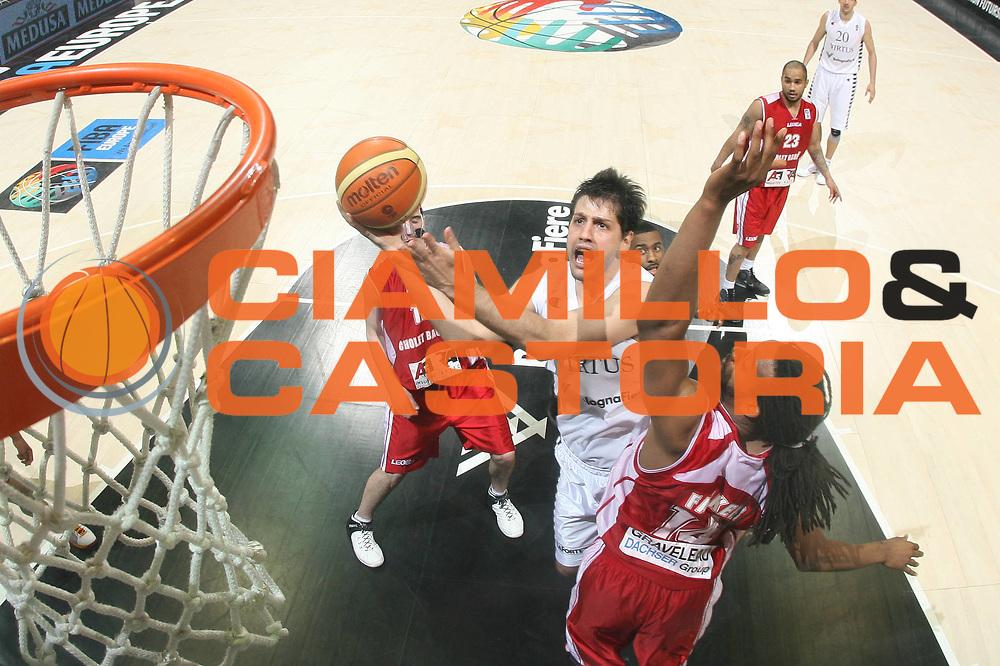DESCRIZIONE : Bologna EuroChallenge Final Four 2009 Final Virtus Bologna Fiere Cholet Basket<br /> GIOCATORE : Guilherme Giovannoni<br /> SQUADRA : Virtus Bologna Fiere<br /> EVENTO : EuroCup-EuroChallenge 2009<br /> GARA : Virtus Bologna Fiere Cholet Basket<br /> DATA : 26/04/2009 <br /> CATEGORIA : special super tiro<br /> SPORT : Pallacanestro <br /> AUTORE : Agenzia Ciamillo-Castoria/M.Marchi
