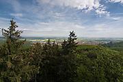 Blick auf Wernigerode und Landschaft vom Kaiserturm am Armeleuteberg bei Wernigerode Harz, Sachsen-Anhalt, Deutschland | view on Wernigerode and landcape from Kaiserturm on Armeleuteberg near Wernigerode, Harz, Saxony-Anhalt, Germany